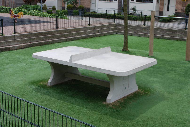 Beton Tafel Buiten : Betonnen pingpongtafels met afgeronde hoeken in drie verschillende