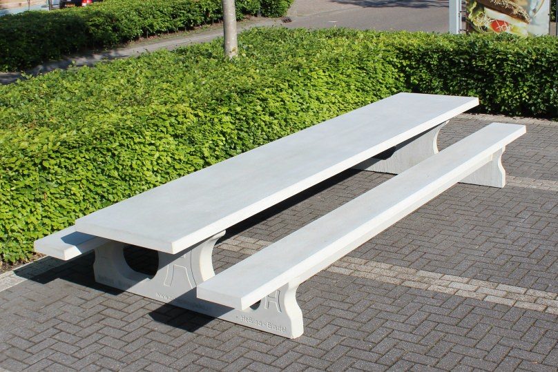 Betonnen picknicktafel XL